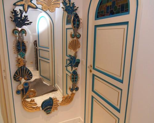 Porte personnalisée aux couleurs du miroir et de la pièce