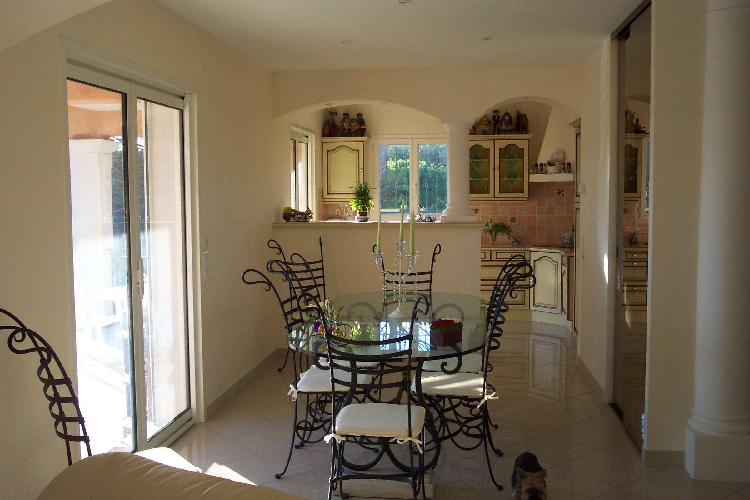 avant apr s nos relooking d 39 int rieur fr jus var hy res. Black Bedroom Furniture Sets. Home Design Ideas